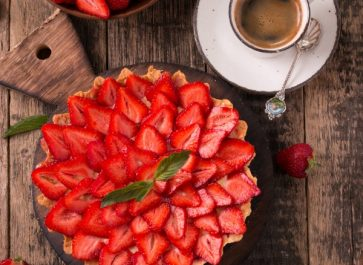 STRAWBERRY PIE, FRESH STRAWBERRIES, AND A CUP OF COFFEE